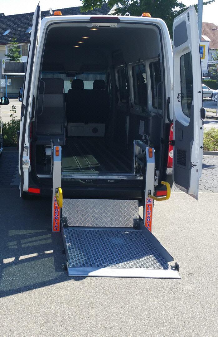ansbacher taxiservice fuer 1 8 personen. Black Bedroom Furniture Sets. Home Design Ideas
